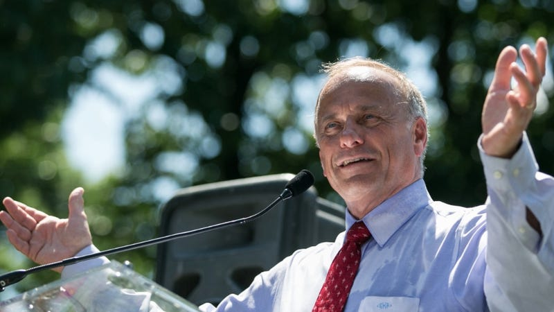 Illustration for article titled Rep. Steve King Thinks Most Immigrants Are Evil Marijuana Smugglers