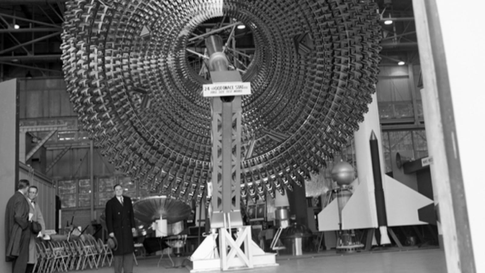 Photographs of Secret Government Technology from the 20th ...