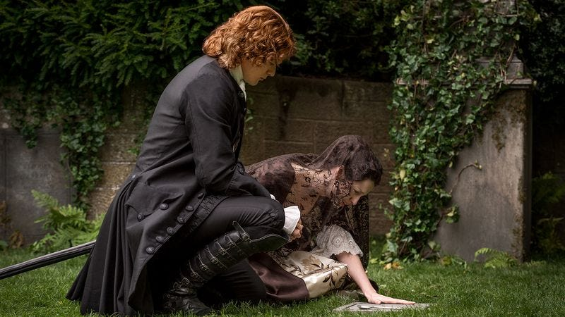 Illustration for article titled Outlander doubles down on season two's darkness