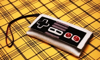 Illustration for article titled This NES Controller Is the Only iPhone Case I Want