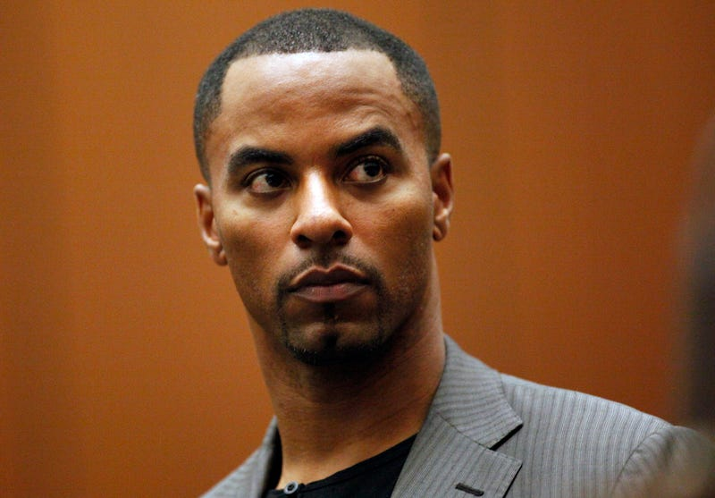 Illustration for article titled Darren Sharper Turns Himself In After Eighth Alleged Rape Emerges