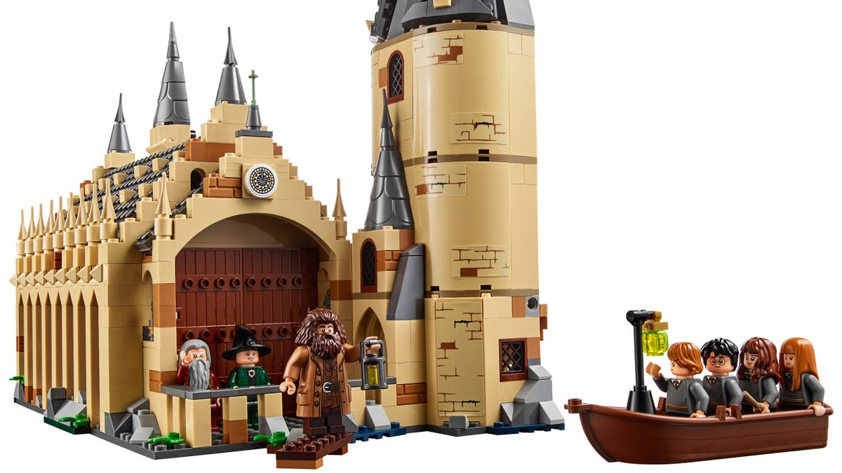 Legos New Hogwarts Great Hall Set Is Going To Magically Drain My Wallet