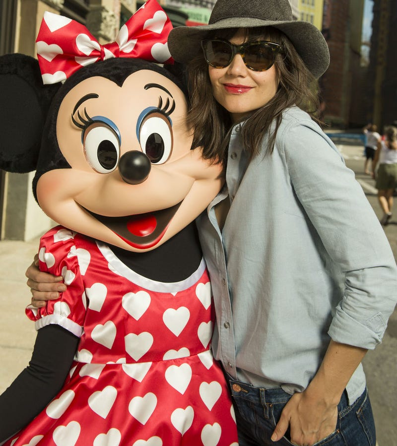 Illustration for article titled Katie Holmes Has a New Celebrity BFF