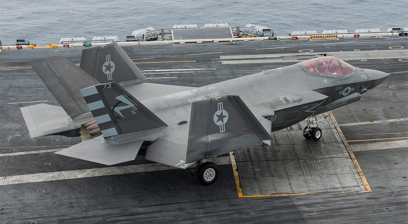Illustration for article titled Report Urges Pentagon To Arm F-35Cs With Tactical Nuclear Weapons