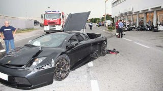 Illustration for article titled Out Of Control Lamborghini Destroys BMW Motorcycle Dealership
