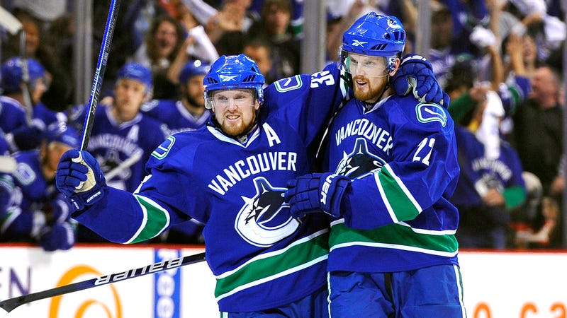Illustration for article titled Sedin Twins Announce Their Retirement Together