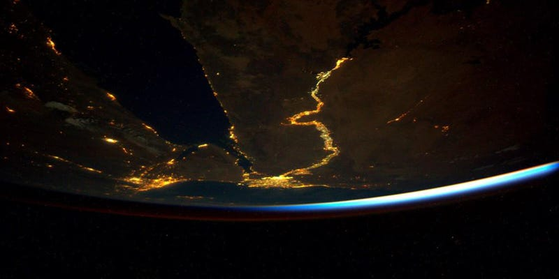 Illustration for article titled The Nile From Space Is a Long, Meandering Line of Light and Life