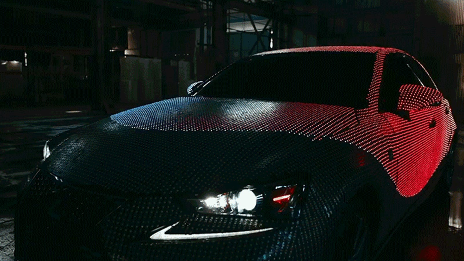 40,000 LEDs Change the Color of This Lexus in a Flash