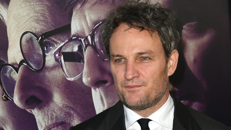 Illustration for article titled Jason Clarke refuses to heed the warnings, buries himself in Pet Sematary remake