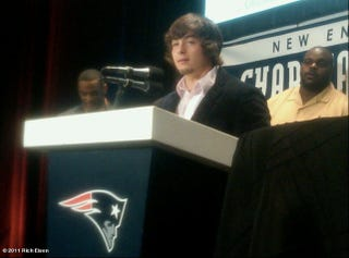 "Illustration for article titled You Still Can't Look At A Danny Woodhead Press Conference Photo Without Thinking ""Awww..."""