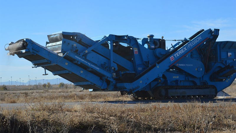 Illustration for article titled Look At This Giant Machine. Just Look At It.