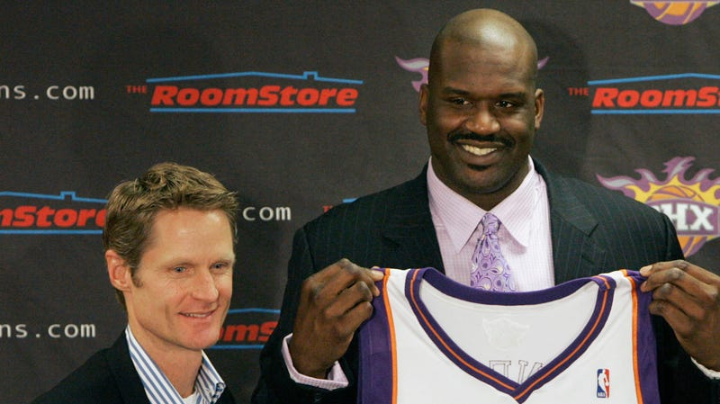 Illustration for article titled Steve Kerr Tentatively Reminds Shaq Of Obligation To Kiss Kerr's Cheese-Covered Feet