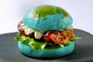 Illustration for article titled Is This Blue Burger Amazing? Or Disgusting?