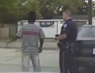 Pierre Fulton speaking with an officer in North Charleston, S.C., after the shooting April 4, 2015YouTube screenshot