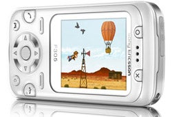 Illustration for article titled Sony Ericsson F305 Phone With Motion Gaming First Impressions (Verdict: Underwhelming)