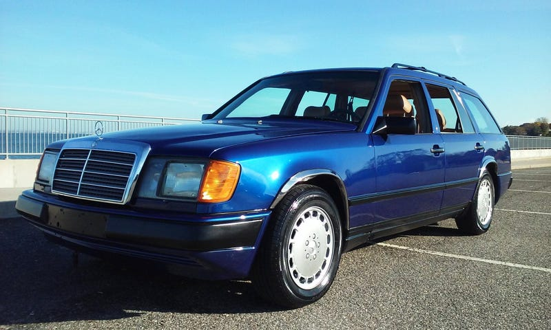 Illustration for article titled Will Its $13,999 Price Make You Long For This 1987 Mercedes Benz 300TD Longroof?