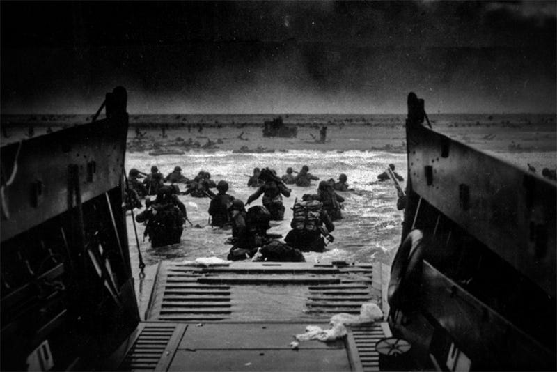 Illustration for article titled 27 Photos You Need To See On The 70th Anniversary Of D-Day