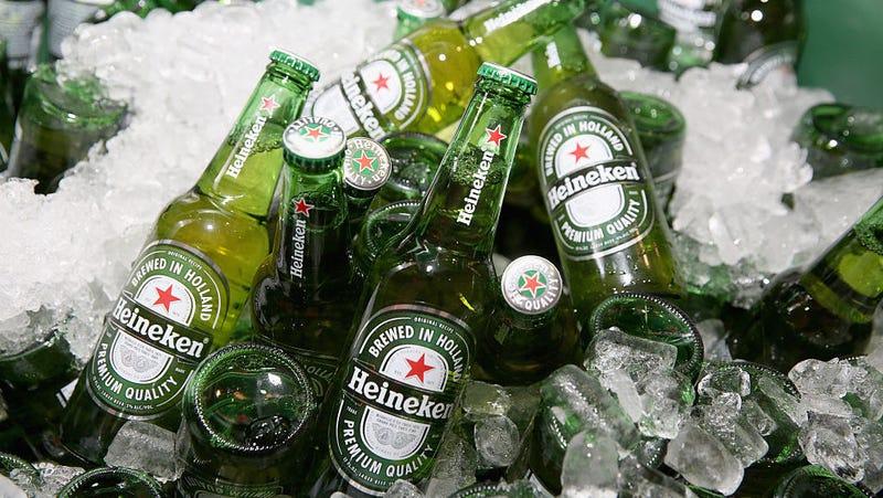 "Illustration for article titled Heineken pulls offensive ""lighter is better"" ad"