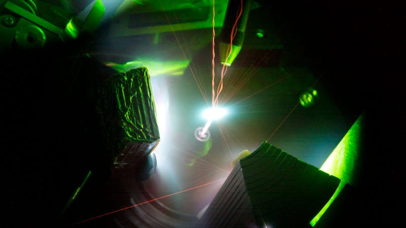 Illustration for article titled This 200-Trillion Watt Laser Produces Plasma Hotter Than The Sun