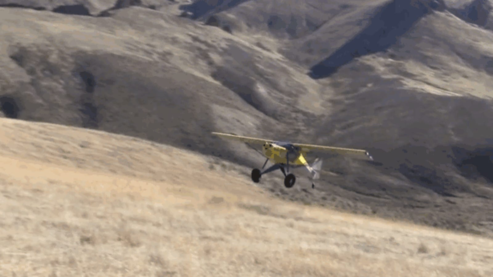 Watch This Backcountry Pilot Land On A 50 Percent Grade