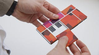 Illustration for article titled Los teléfonos de Project Ara, retrasados hasta 2016, se despiezaban al caer