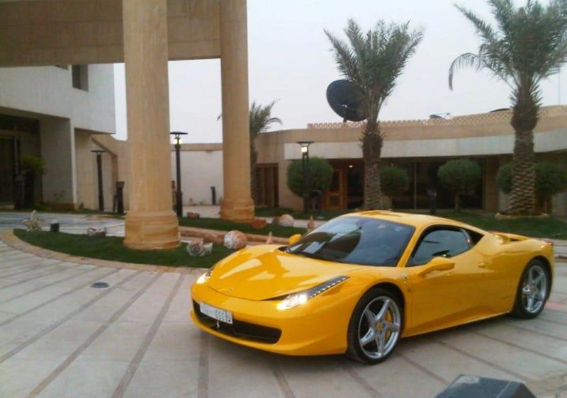 Illustration for article titled Airport Fire Destroys $469K Custom Ferrari, Transporter Offers $46K
