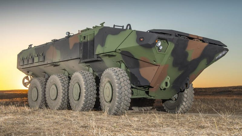 Illustration for article titled El nuevo camión anfibio militar de los Estados Unidos es una bestia de 700 caballos