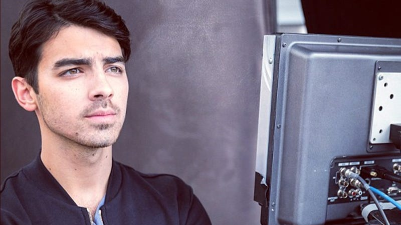 Illustration for article titled Joe Jonas Reveals How Disney Puppet Masters Control Their Teen Stars