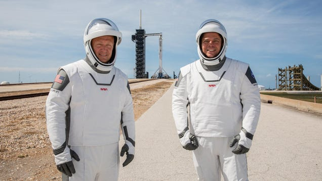 Elon Musk s SpaceX Space Suits Sure Are Something