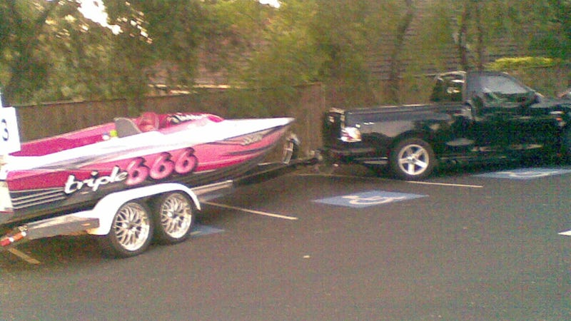 Illustration for article titled This Is Why People Think Powerboat Owners Are Asshats