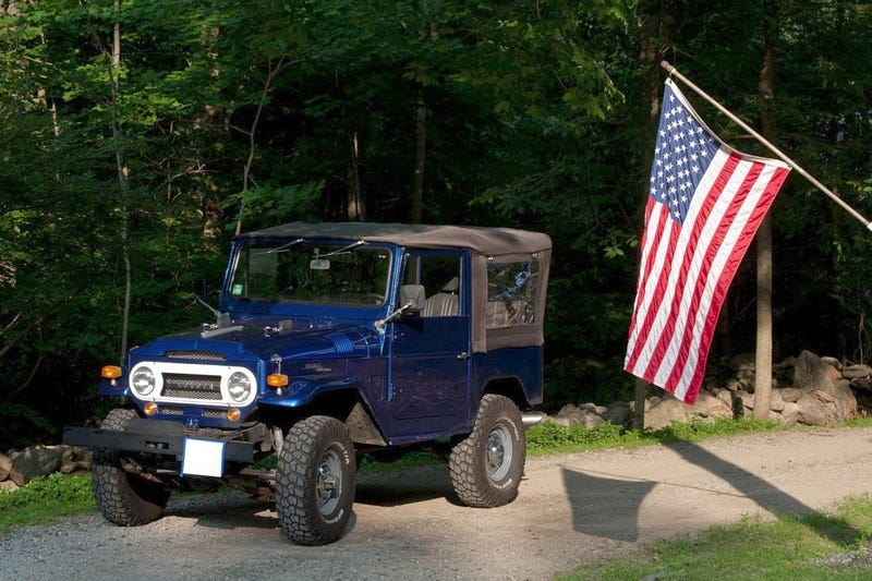 Illustration for article titled This 1969 Toyota FJ Rocks An SBC And A $22,000 Price Tag