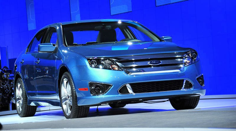 Illustration for article titled 2010 Ford Fusion, Sport, Hybrid Revealed Live