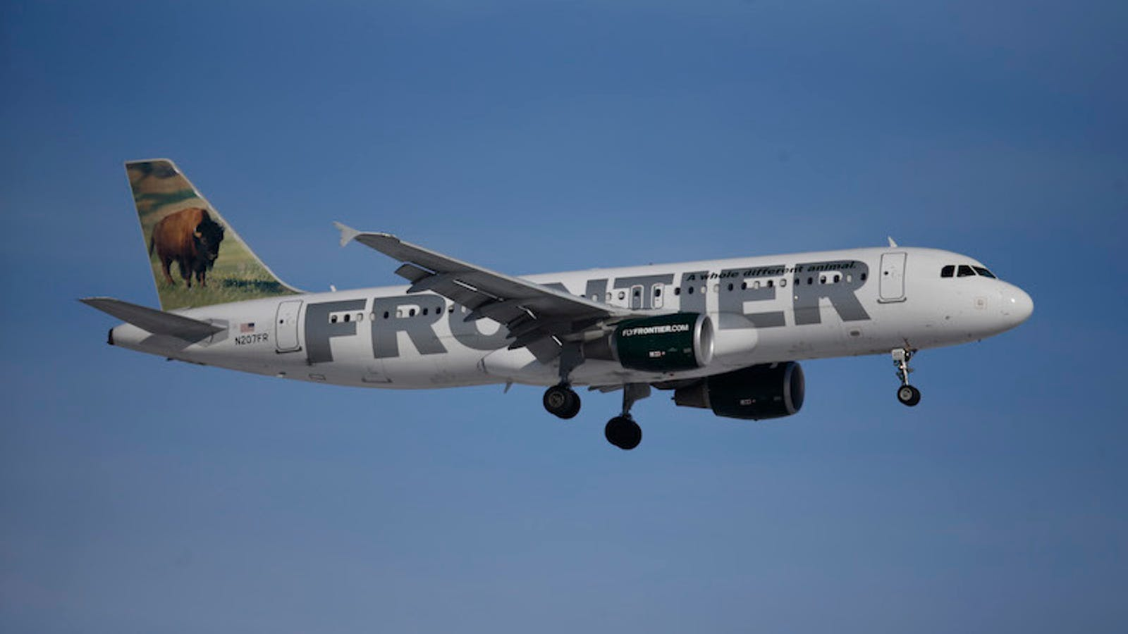 Pilots Sue Frontier Airlines Over Breast Pumping at Work