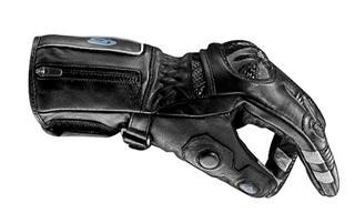 Illustration for article titled Así sí: diseñan guantes de moto con controles del móvil incorporados