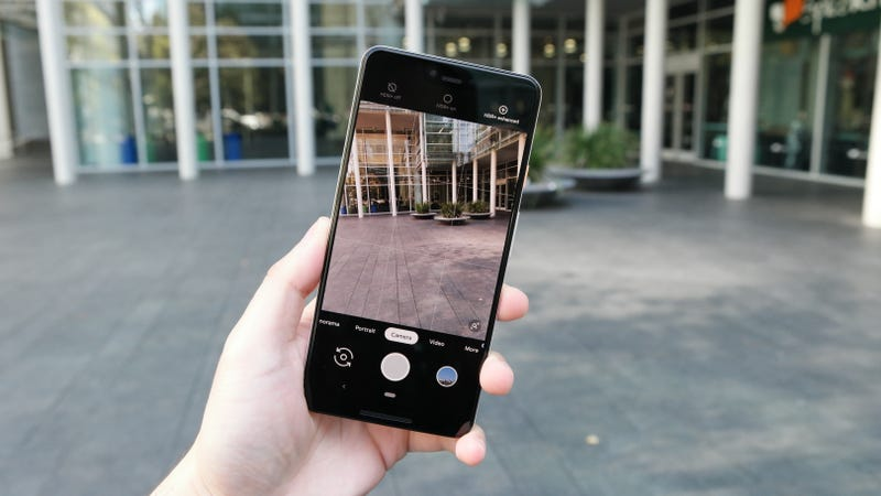 Users say the Pixel 3 camera is borked...again