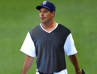 Illustration for article titled Greg Maddux Wears Sweater-Vest To Mound