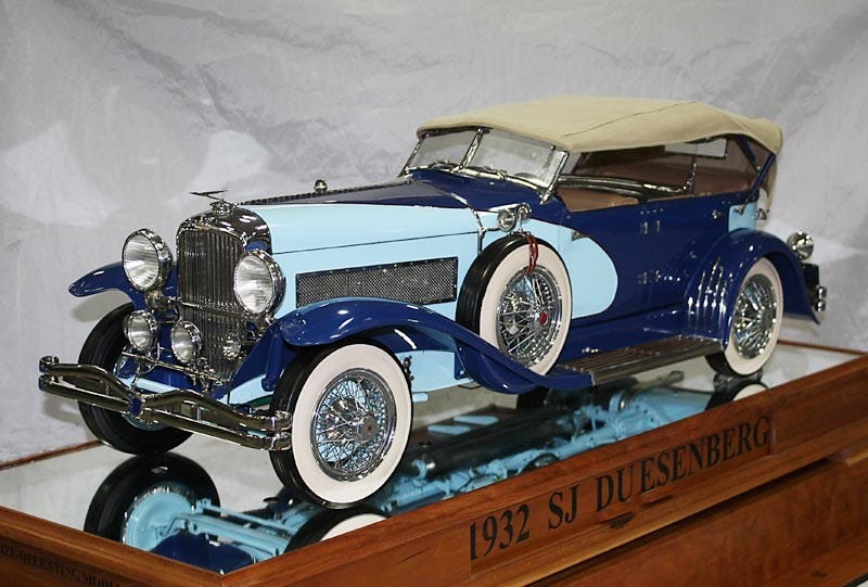 Illustration for article titled Tiny Hand-Built Duesenberg Is a Masterpiece