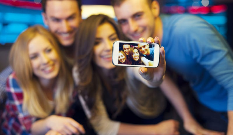 Illustration for article titled North Carolina School District Wants to Ban Selfies