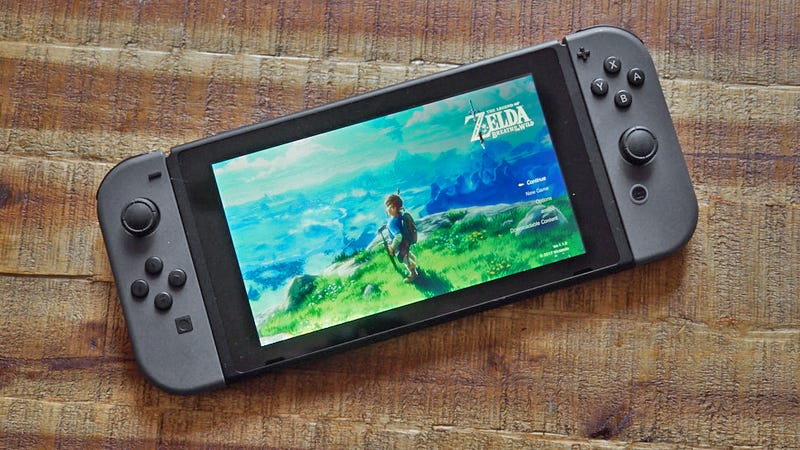 Report: Nintendo's Got a Cheaper, Smaller Nintendo Switch Coming This Fall