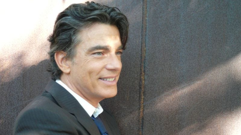 Illustration for article titled Peter Gallagher honors his icons… through song!
