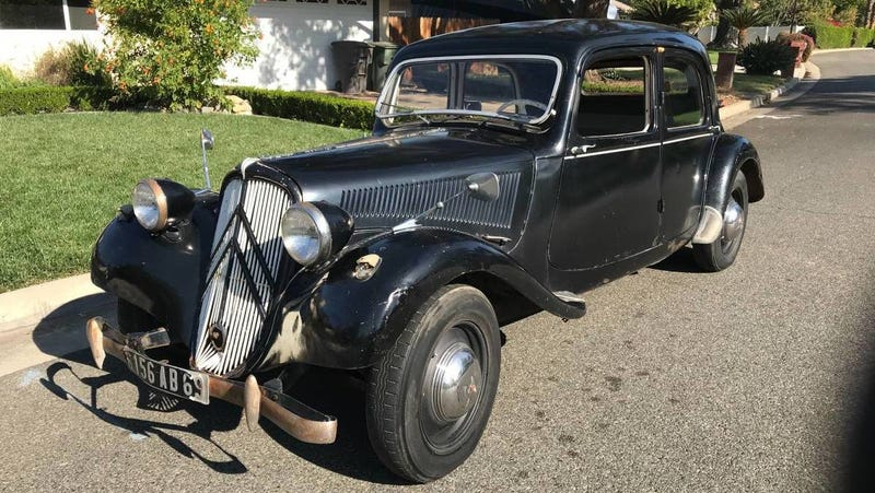 Illustration for article titled At $8,950, Could This 1955 Citroën Traction Avant 11BL Bring it to the Fore?