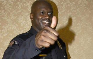 """Illustration for article titled Shaq Listed """"Binnochulars"""" Under """"Special Skills"""" In His Miami Police Application"""