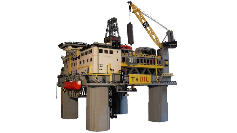 Illustration for article titled This Magnificently Detailed Lego Oil Rig Will Be Spitting Brick Gold in No Time
