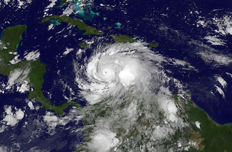 Imagen de satélite vía: NOAA.
