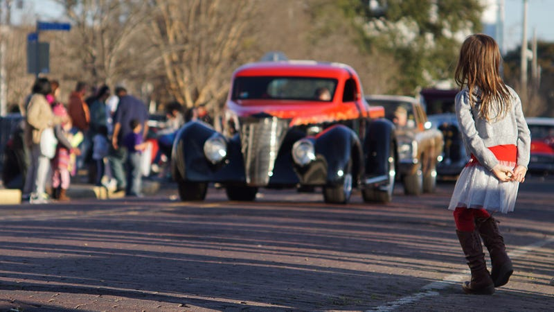 Illustration for article titled Took a bunch of pictures at today's classic car parade.