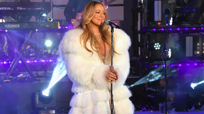 Illustration for article titled Mariah Carey Says No Holiday Music 'Til After Halloween, As Per Law