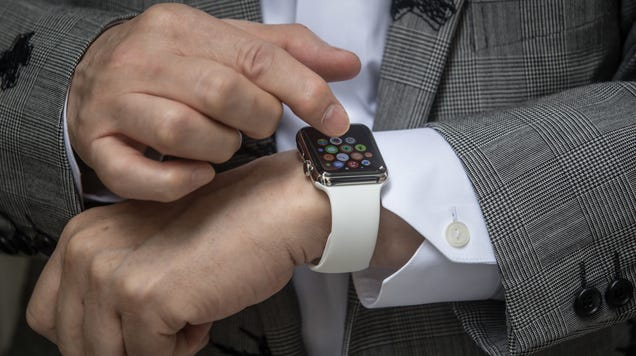 Canadian Judge Finds Woman Guilty of Distracted Driving For Looking at Her Apple Watch