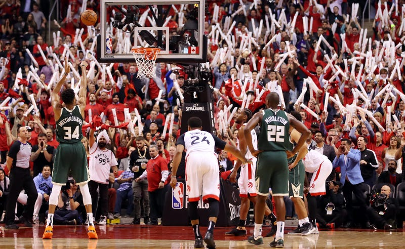 Illustration for article titled Fired-Up Raptors Thoroughly Flatten Bucks, Draw Even In Eastern Conference Finals