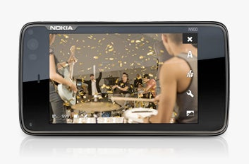 Illustration for article titled Take Amazing Photos and Video with the Nokia N900