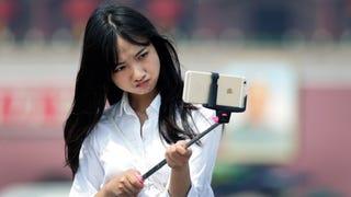 Disneyland and Walt Disney World Officially Ban Selfie Sticks